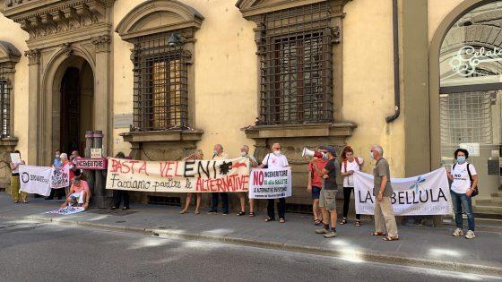 Presidio contro gassificatore Eni Livorno