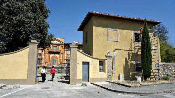 Villa Favard, riqualificato l'ingresso monumentale