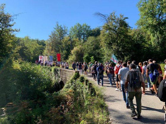 Don Milani: in 700 alla marcia di Barbiana per una scuola che riparta da equità e solidarietà