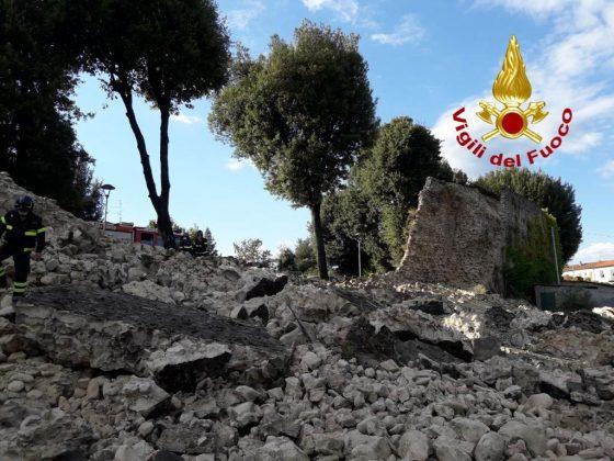 Pistoia: crollata porzione 30 metri delle mura medievali, nessun ferito