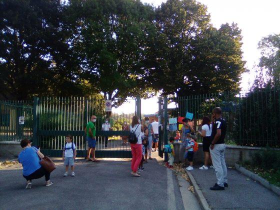 Scuola: 'Troppe carenze', presidio a Firenze di genitori, sindacati e precari