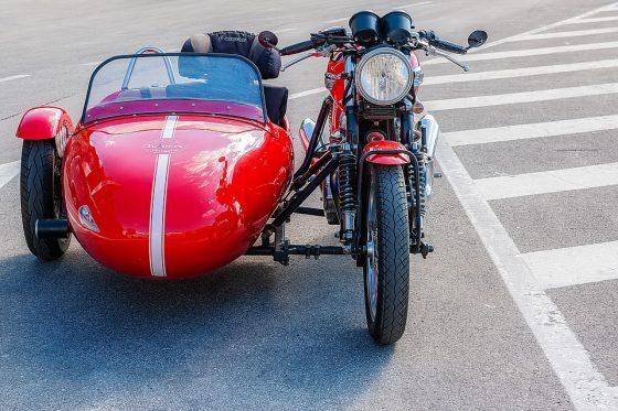 """""""Anch'io mi metto in moto"""": in sidecar per abbattere le barriere"""