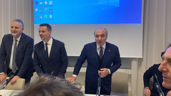 Due hacker a processo per frode a a Fiorentina e Dzon
