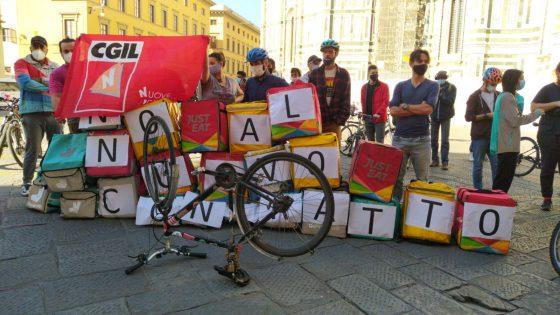 Riders contro il contratto nazionale, presidio in Piazza del Duomo