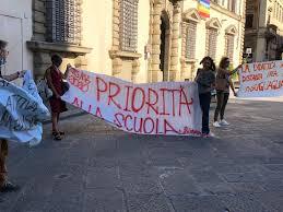 Priorità alla scuola domani in presidio in 10 Regioni, 'No a stop presenza'