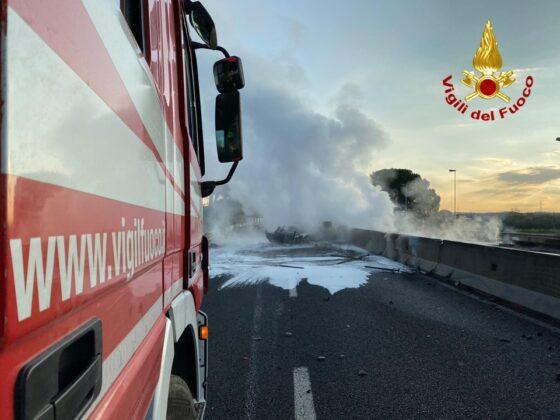Incidente e sversamento gasolio, chiusa A1 a Firenze direzione sud