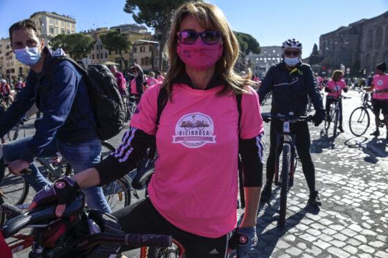 Tumore al seno: la Toscana stabilisce la gratuità dell'esame molecolare