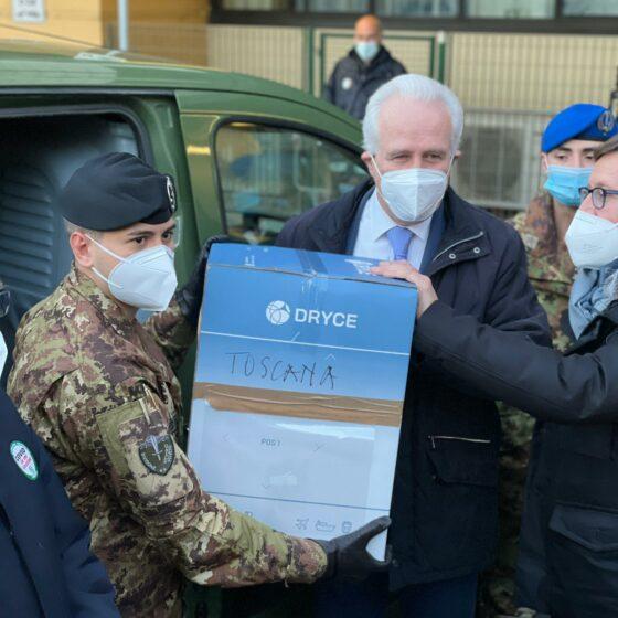 Vax Day: consegnate prime 620 dosi di vaccino per la Toscana