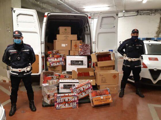 Prato: la Municipale sequestra una tonnellata di botti, un arresto
