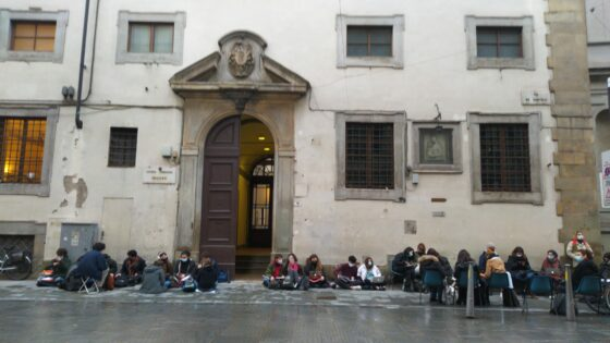 Priorità alla scuola, protesta scuole superiori