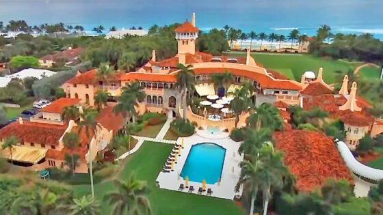 Trump abbandona gli ospiti a festeggiare con Giuliani e Vanilla Ice