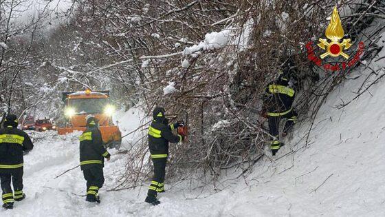 Emergenza neve, ancora disagi in tante aree della Garfagnana e della montagna pistoiese