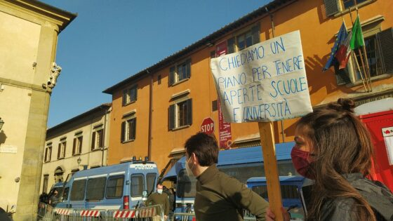 Protesta collettivo studentesco Conte