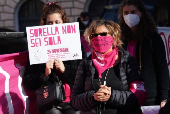 """""""Basta con un discorso pubblico che legittima la cultura dello stupro"""", presidio NUDM a Prato"""