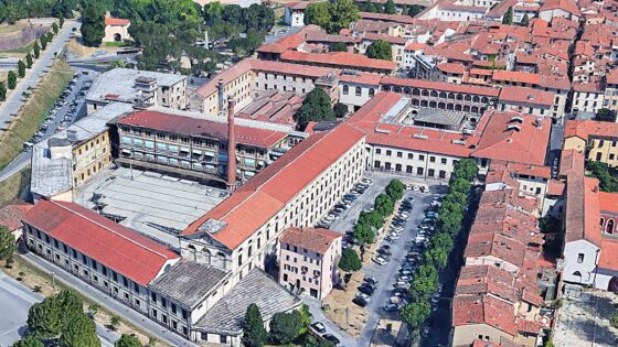 """Manifattura Tabacchi rimanga """"Pubblica ed a servizio della città"""" di Lucca"""