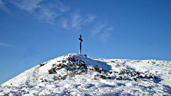 Escursionista 18enne scivola e muore in montagna
