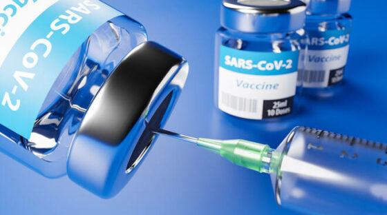 L'Unione Europea annuncia 100 milioni di vaccini per aprile