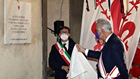 Palazzo Vecchio, targa a ricordo le vittime Covid-19