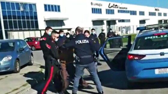 """Texprint: sgombero dei lavoratori in sciopero, Sì Cobas denuncia """"2 operai feriti"""""""