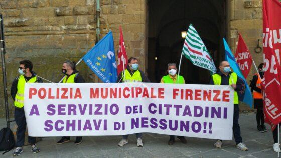 """Polizia Municipale, """"tutele e sicurezza per il lavoro notturno"""", presidio Piazza Signoria"""