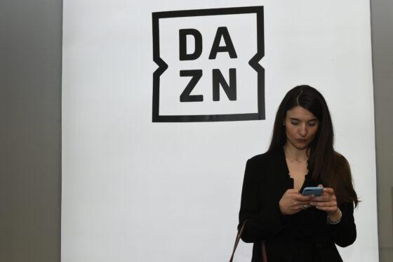 Confconsumatori chiede  Dazn rimborsi e garanzie per i tifosi dopo crack domenica