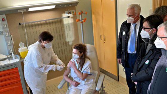 Toscana, 1000 sanitari ricorrono a TAR contro obbligo vaccinazione