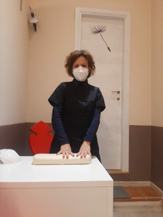 🎧 Benessere senza sostegni: estetisti e parrucchieri, Cna chiede riapertura in zona rossa