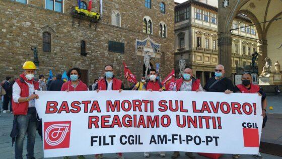 """🎧""""200 infortuni mortali sul lavoro da inizio anno: basta morti"""": flash mob sindacati in Piazza Signoria"""