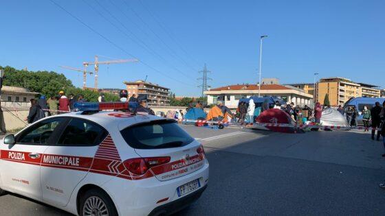 🎧 Sgombero via Baracca, terminata protesta