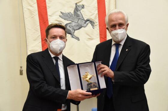 Pegaso d'oro Regione Toscana ad Andrea Ceccherini, Osservatorio Permanente Giovani-Editori