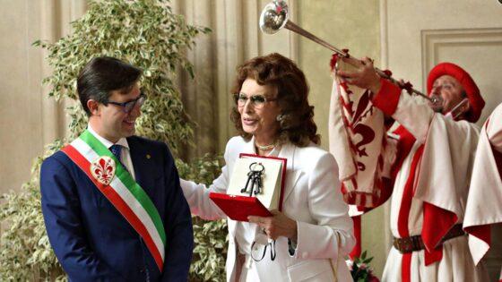 Sophia Loren riceve le Chiavi della Città di Firenze