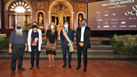 Firenze aderisce al Manifesto delle città gentili, firma simbolica a Palazzo Vecchio