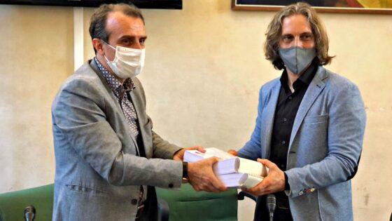 Italian Horse Protection, consegna 35mila firme per fermare carrozze nel centro storico di Firenze