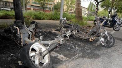 FIRENZE, INCENDIO: BRUCIATI SCOOTER E CASSONETTI IN ROGHI DOLOSI