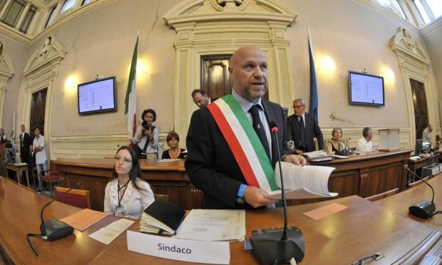 Livorno: indagato assessore della giunta M5s. Pd all'attacco