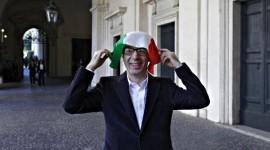 """ROBERTO BENIGNI ATTACCATO PERCHÈ DICE DI VOTARE """"SI"""""""