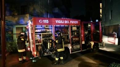 FUMOGENO IN BUCA POSTE, BRUCIA CASA A FIRENZE