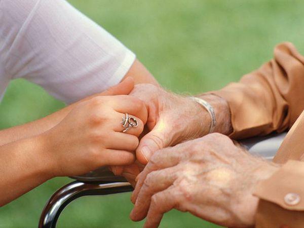 Sentenza consulta: conviventi potranno usufruire di permessi per assistere partner invalido