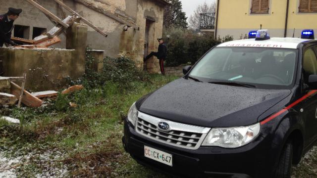 Sequestrata 18enne nel casolare, i carabinieri la liberano