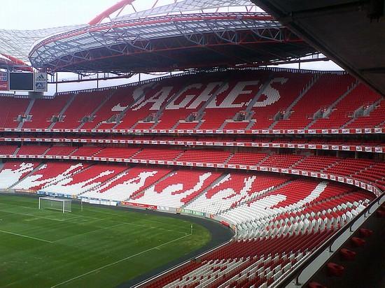 Sporting Lisbona-Benfica, scontro tra ultrà: morto un tifoso della Fiorentina