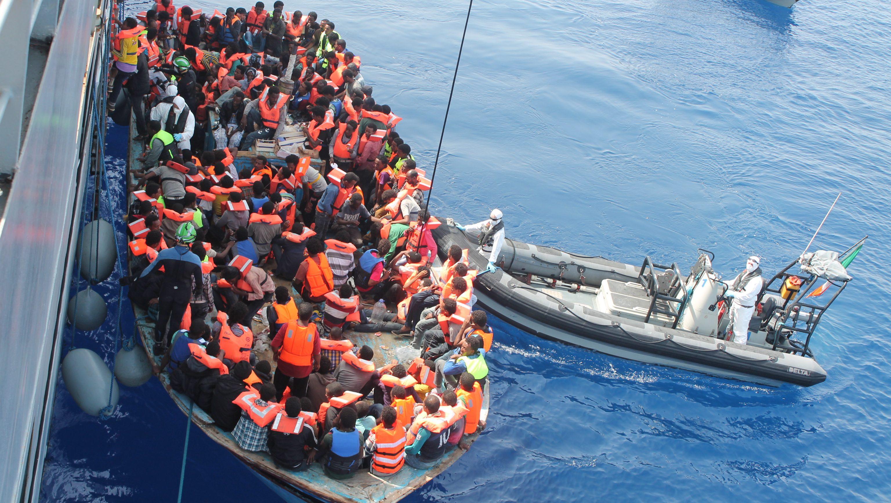 Migranti, calano del 41% i permessi per lavoro